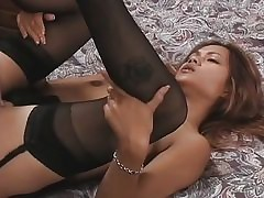 Asian cutie Aliyah Likit gives..