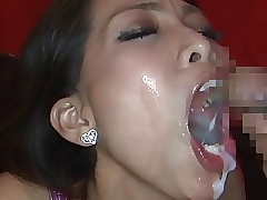 Asian Girls Lip Indiscretion 82