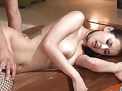 Stunning Maria Ozawa receives a..